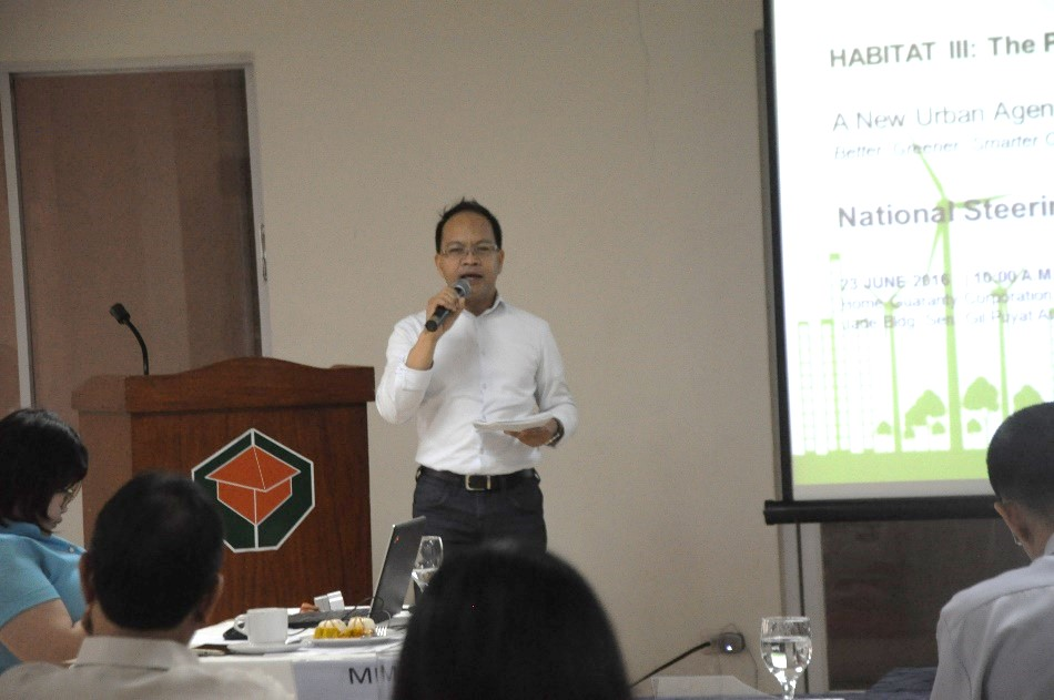 UN-Habitat Country Programme Manager, Cris Rollo during the Philippine Habitat III National Report presentation.